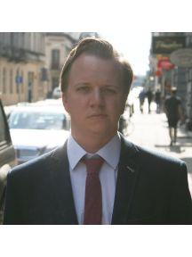 Aaron Fryklund Headshot