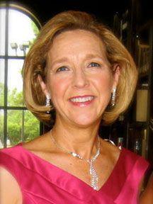 Lynn Shaw Bailey Headshot