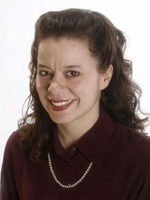 Laura Farnell Headshot